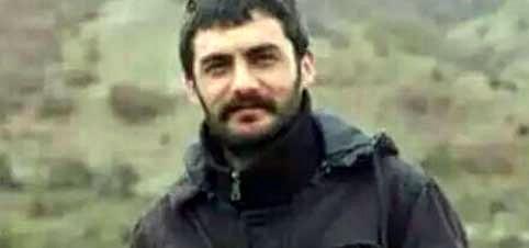 Ahmed Arif: Vurulsam kaybolsam derim, Çırılçıplak, bir kavgada, Erkekçe olsun isterim, Dostluk da, düşmanlık da…