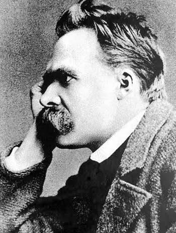 Nietzsche: Ah, nasıl da mutlu oluyoruz biz bilenler, bir süre susmayı becerdiğimizde!..