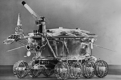 SEVENTIES. LUNOKHOD 1, THE FIRST REMOTE CONTROL ROBOT THAT ARRIVED ON AN EXTRATERESTRIAL FIELD
